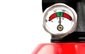 Зачем нужен манометр на огнетушителе