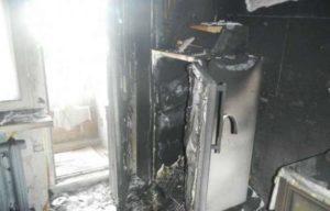 Почему загорается бытовой холодильник