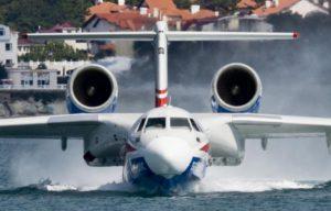 Какой объем воды набирает самолет для тушения пожаров